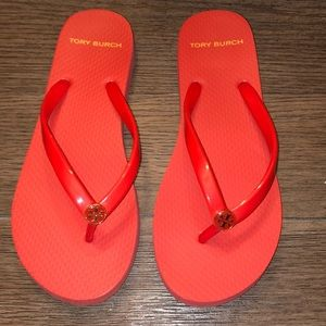 Tory Burch coral flip flops size 6